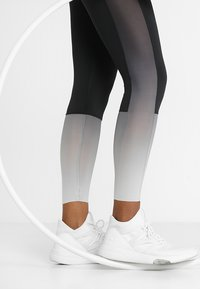 Reebok - OMBRE - Tights - black - 3