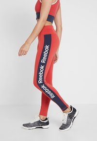Reebok - TRAINING ESSENTIALS LINEAR LOGO LEGGING - Medias - red - 3