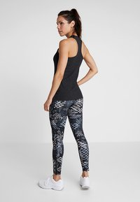 Reebok - STUDIO LUX TRAINING HIGH-RISE LEGGING - Legging - black - 2