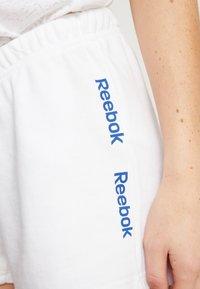 Reebok - LINEAR LOGO SHORT - Short de sport - white - 4