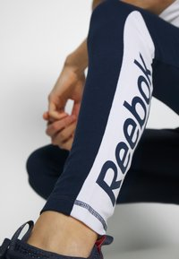 Reebok - ELEMENTS TRAINING LEGGINGS - Trikoot - conavy - 3