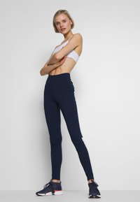 Reebok - ELEMENTS TRAINING LEGGINGS - Trikoot - conavy - 1