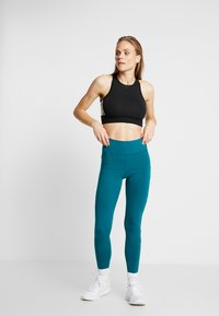 Reebok - ELEMENTS TRAINING LEGGINGS - Punčochy - hertea - 1