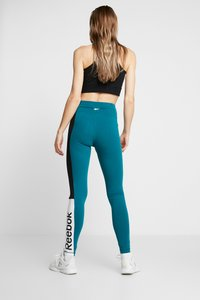 Reebok - ELEMENTS TRAINING LEGGINGS - Punčochy - hertea - 2
