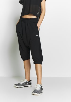 STRIKER PANT - Tracksuit bottoms - black