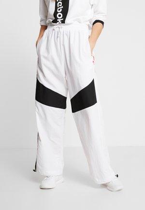 MYT SPORT WIDE LEG PANTS - Pantaloni sportivi - white