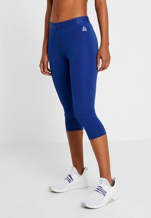 CAPRI - 3/4 sports trousers - cobalt