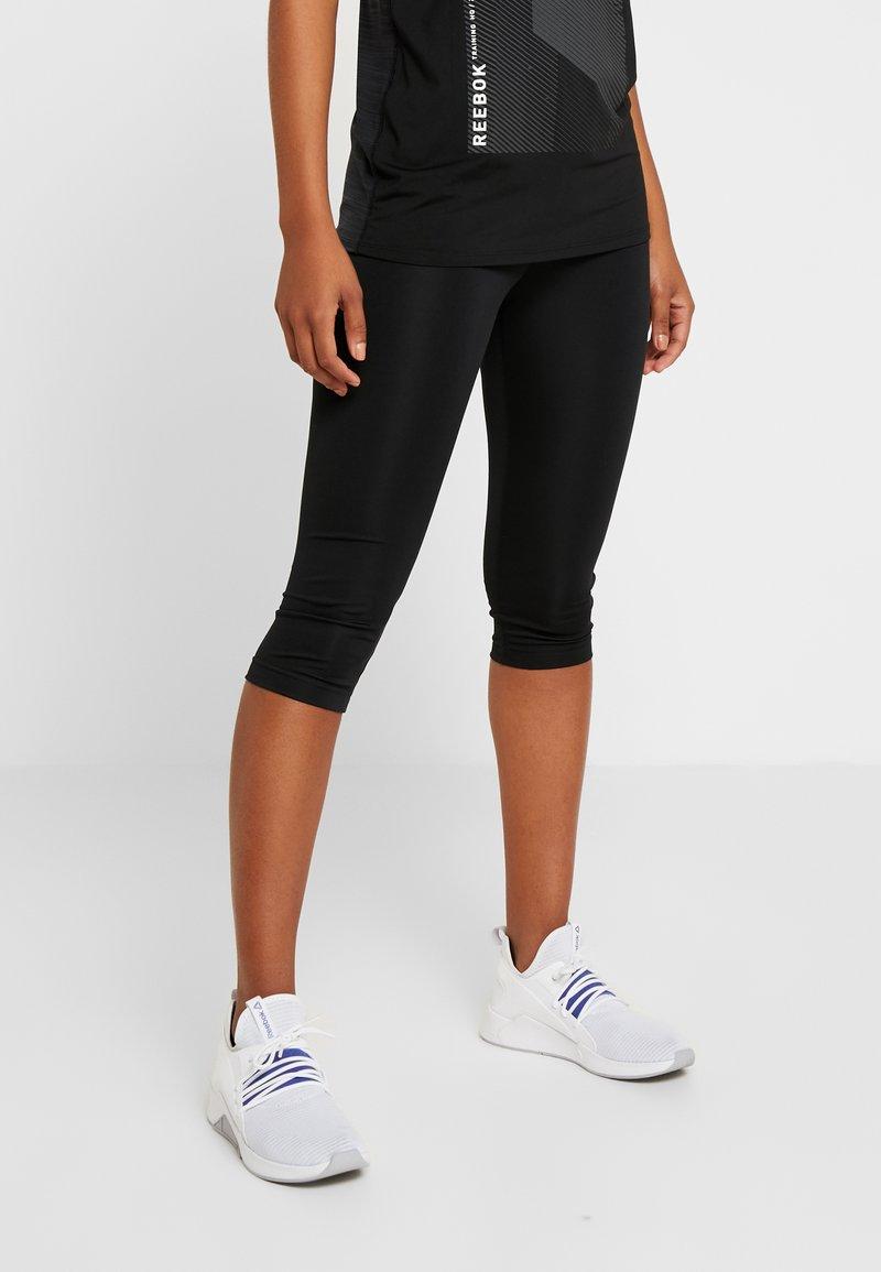 Reebok - CAPRI - Pantalón 3/4 de deporte - black