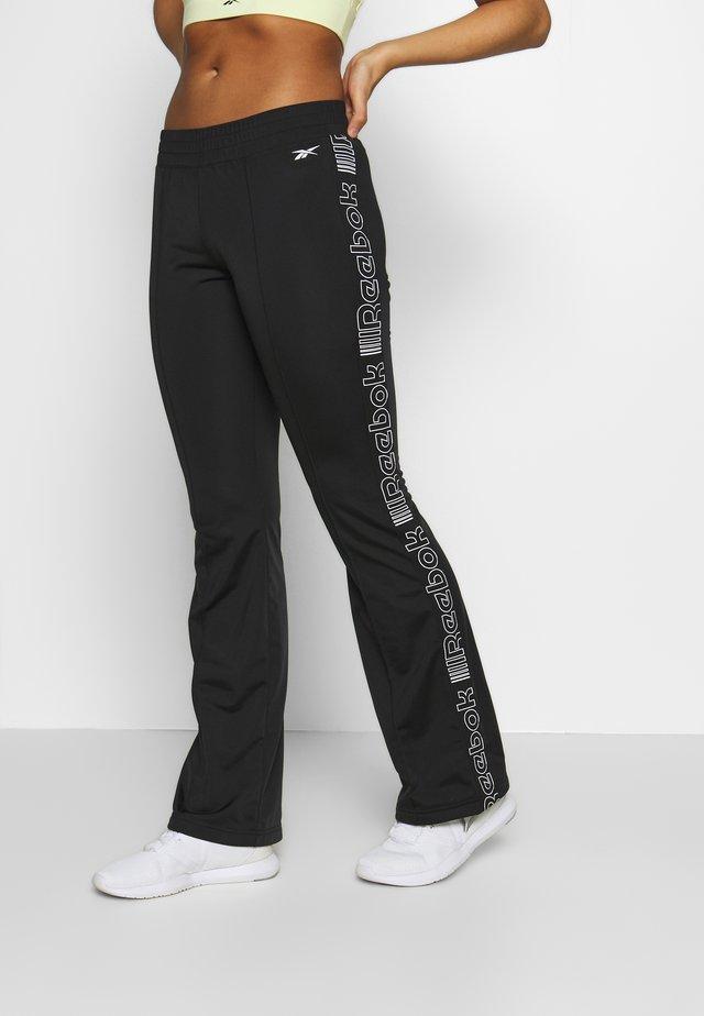 TRACK PANT - Pantalones deportivos - black