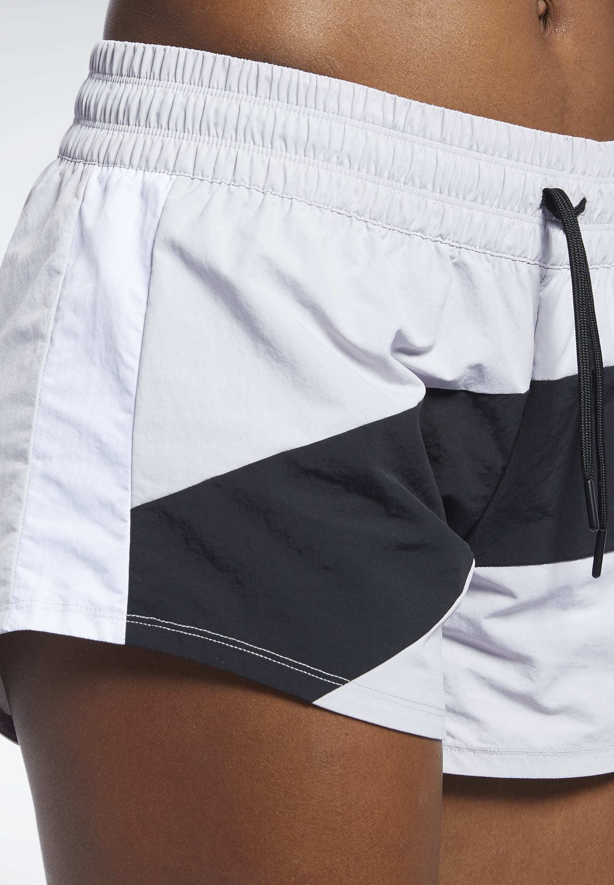 Reebok WORKOUT READY SHORTS - Krótkie spodenki sportowe - gray