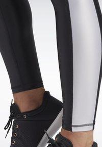 Reebok - STUDIO HIGH-RISE TIGHTS - Legging - black - 4