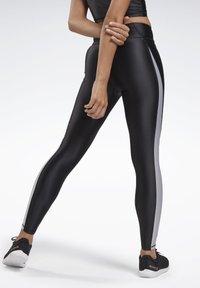 Reebok - STUDIO HIGH-RISE TIGHTS - Legging - black - 2
