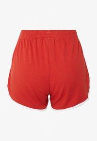 Reebok - SLIT SHORT - Pantalón corto de deporte - legacy red - 1
