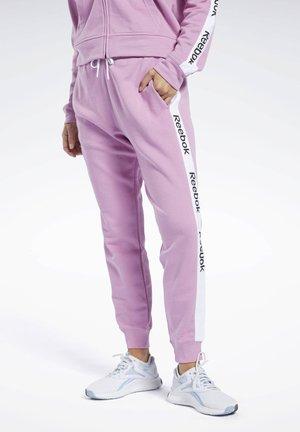 TRAINING ESSENTIALS LINEAR LOGO PANTS - Pantalon de survêtement - jasmine pink