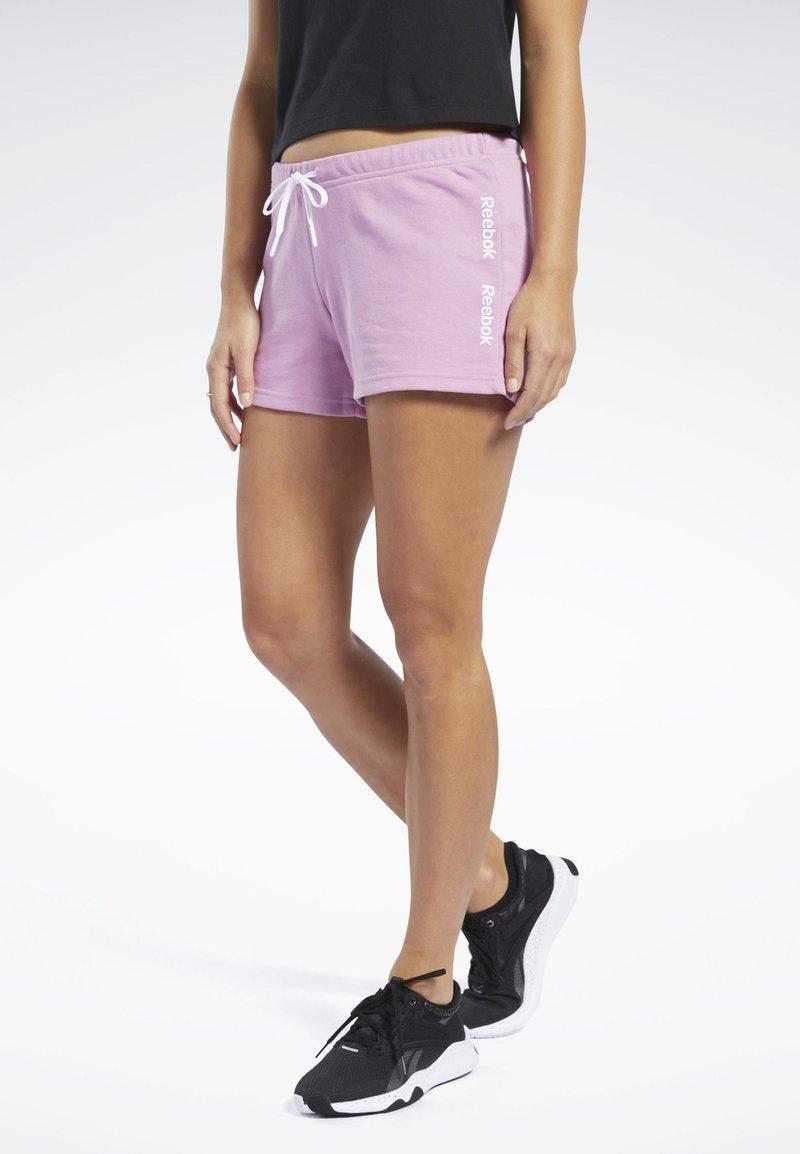 Reebok - TRAINING ESSENTIALS LINEAR LOGO SHORTS - kurze Sporthose - pink