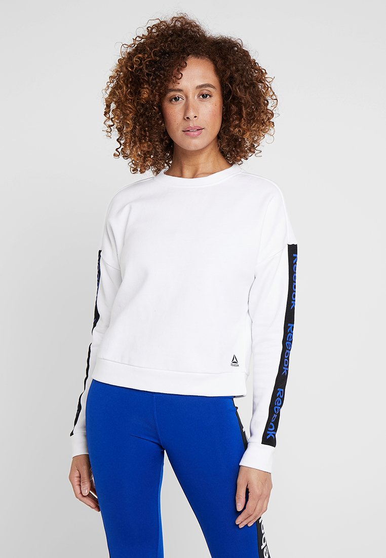 Reebok - TRAINING ESSENTIALS PULLOVER - Sweatshirt - white