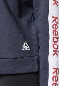 Reebok - TRAINING ESSENTIALS LOGO CREW SWEATSHIRT - Collegepaita - heritage navy - 4