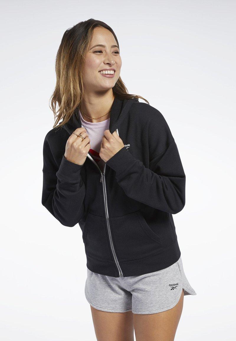 Reebok - TRAINING ESSENTIALS FULL-ZIP HOODIE - Zip-up hoodie - black