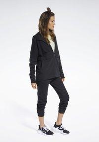 Reebok - QUIK COTTON HOODIE - veste en sweat zippée - black - 3