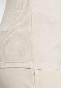 Reebok - STUDIO RIBBED LONG SLEEVE TEE - Topper langermet - beige - 5