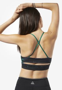 Reebok - WORKOUT READY TRI-BACK LOW-IMPACT BRA - Sport BH - clover green - 1
