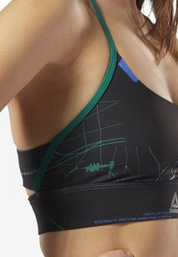Reebok - WORKOUT READY TRI-BACK LOW-IMPACT BRA - Sport BH - clover green - 3