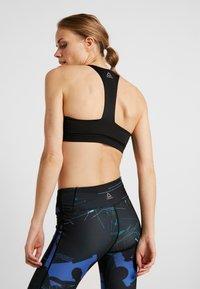 Reebok - BRA PADDED - Sports bra - black - 2