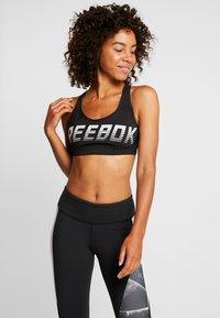 Reebok - HERO RACER PAD - Sport-bh - black - 0