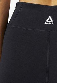 Reebok - TRAINING ESSENTIALS LINEAR LOGO TIGHTS - Legging - black - 4