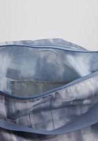 Reebok - ELEM GRIP - Sportovní taška - washed indigo - 4