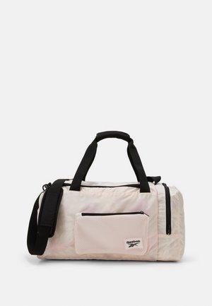 TECH STYLE GRIP - Sportovní taška - light pink