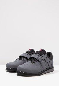 Reebok - LIFTER PR TRAINING SHOES - Sportschoenen - ash grey/black/white - 2