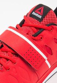 Reebok - LIFTER PR TRAINING SHOES - Sportovní boty - red/black/white - 5