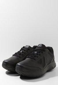 Reebok - WALK ULTRA 6 DMX MAX - Chodecké tenisky - black/alloy - 2