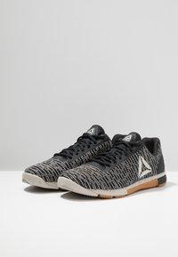 Reebok - SPEED TR FLEXWEAVE LOW PROFILE SHOES - Sports shoes - sandstone/black - 2
