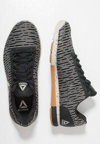 Reebok - SPEED TR FLEXWEAVE LOW PROFILE SHOES - Sports shoes - sandstone/black - 1