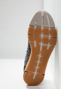 Reebok - SPEED TR FLEXWEAVE LOW PROFILE SHOES - Sports shoes - sandstone/black - 4