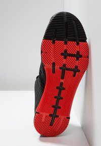 Reebok - SPEED TR FLEXWEAVE LOW PROFILE SHOES - Sports shoes - black/carotene - 4