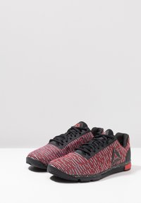 Reebok - SPEED TR FLEXWEAVE LOW PROFILE SHOES - Sportovní boty - black/primal red - 2