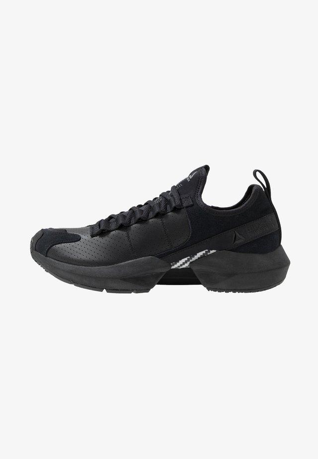SOLE FURY  - Neutrální běžecké boty - black/alloy