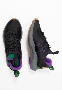 Reebok - SOLE FURY TRAIL - Běžecké boty do terénu - black/clover green /regal purple - 1