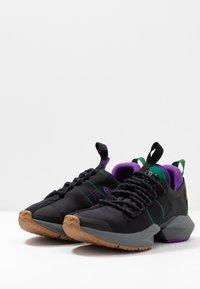 Reebok - SOLE FURY TRAIL - Běžecké boty do terénu - black/clover green /regal purple - 2