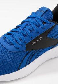 Reebok - LITE 2.0 - Sportovní boty - humble blue/white/black - 5