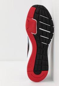 Reebok - RUNNER 4.0 - Zapatillas de running neutras - black/true grey/exclusiv red - 4