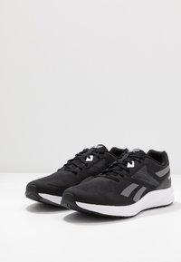 Reebok - RUNNER 4.0 - Zapatillas de running neutras - black/grey/white - 2