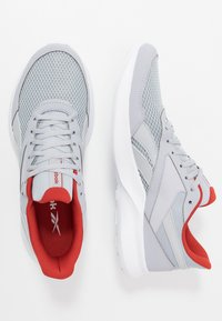 Reebok - QUICK MOTION 2.0 - Obuwie do biegania treningowe - cold grey/white/legand activ red - 1