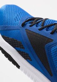 Reebok - FLEXAGON FORCE 2.0 - Scarpe da fitness - humble blue/black/hero yellow - 5