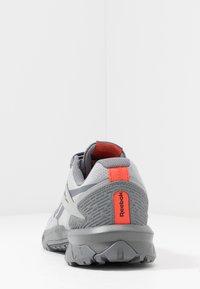 Reebok - RIDGERIDER 5.0 - Zapatillas de trail running - grey/vivid orange - 3