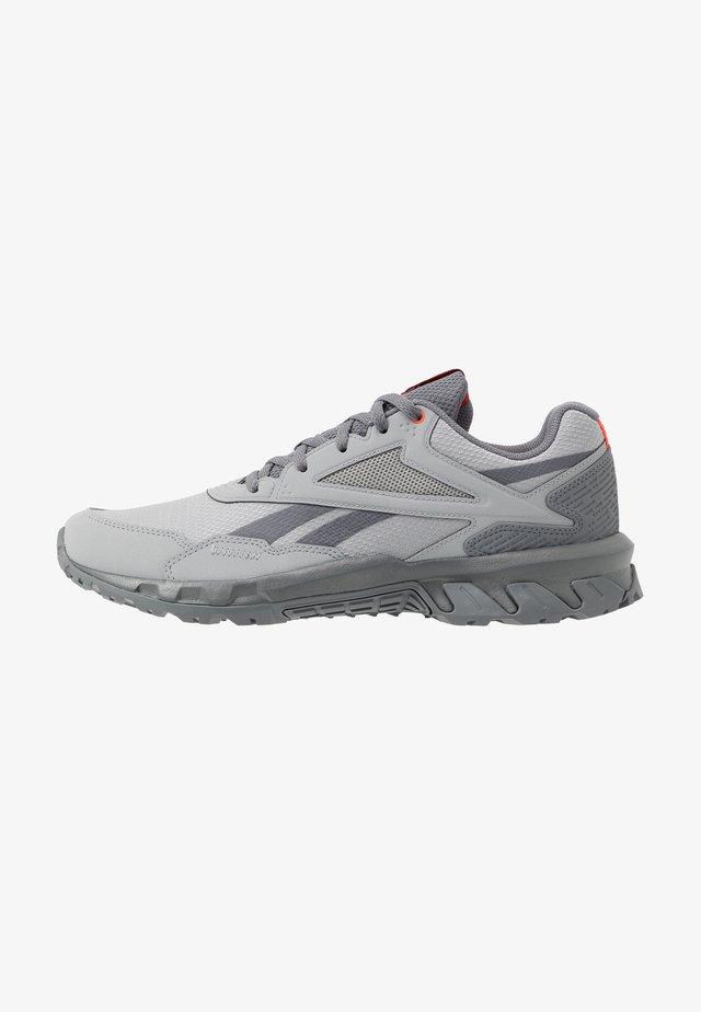 RIDGERIDER 5.0 - Zapatillas de trail running - grey/vivid orange