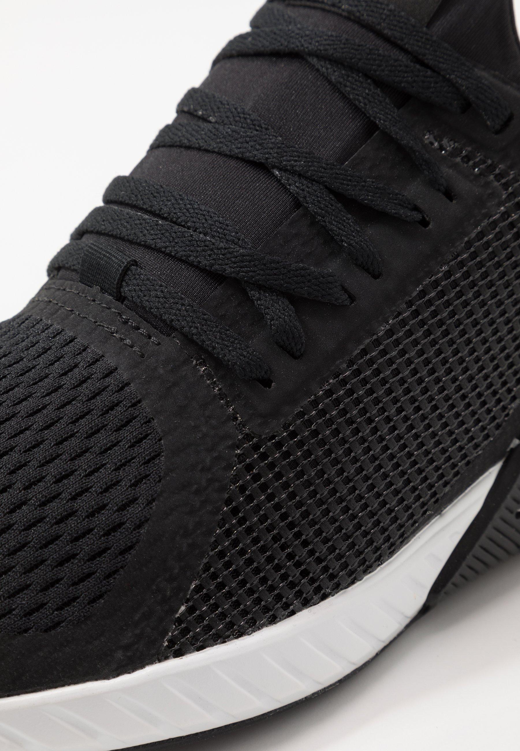 FLASHFILM TRAIN Zapatillas de entrenamiento blackwhite